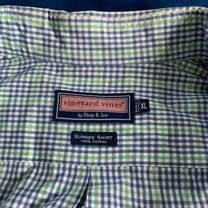 Vineyard Vines XL classic long sleeve shirt
